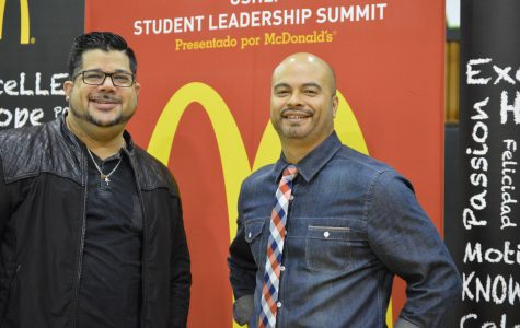 CoolSpeakers motivate young Latinos